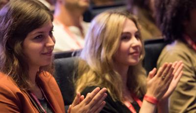 applaudisserend publiek in MECC bij TEDxMaastricht 2017